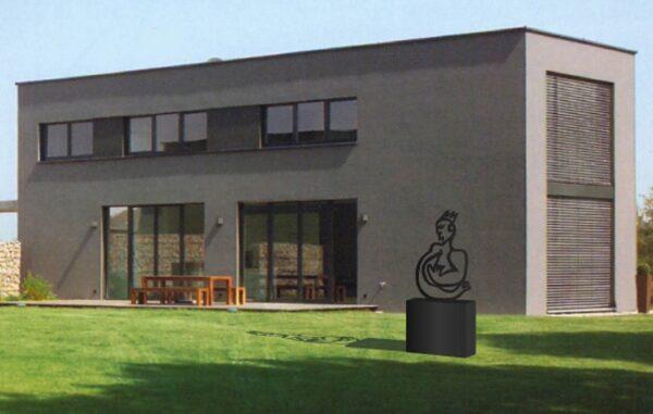 Gartenskulptur modern. Formschöne Skulptur. Gartenkunst aus Stahl.
