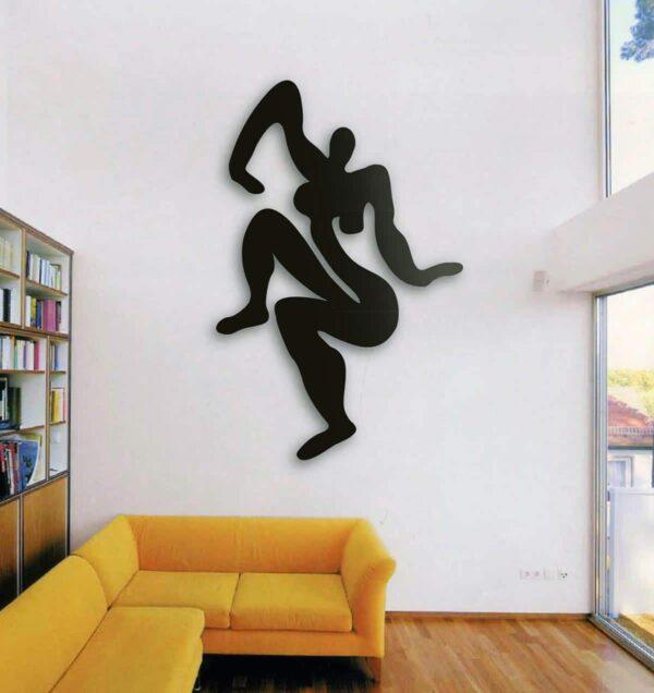 Wandskulptur aus Metall. Moderner Akt. Metallskulptur. Wandplastik schwarz.
